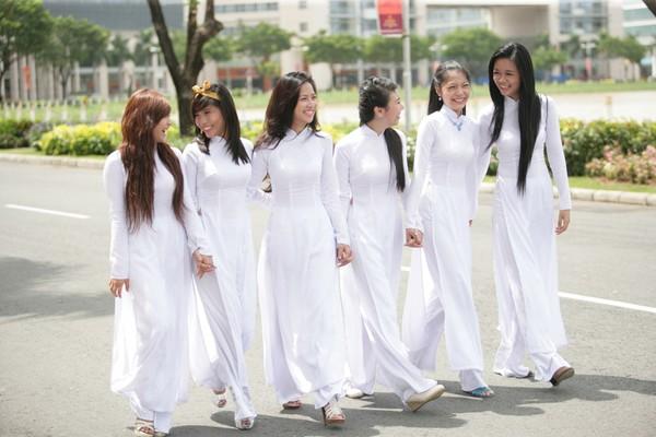 May áo dài trắng nữ sinh 5